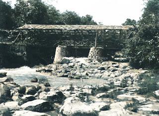 jembatan untuk menyebrangi sungai dan akses jalan di pematangsiantar