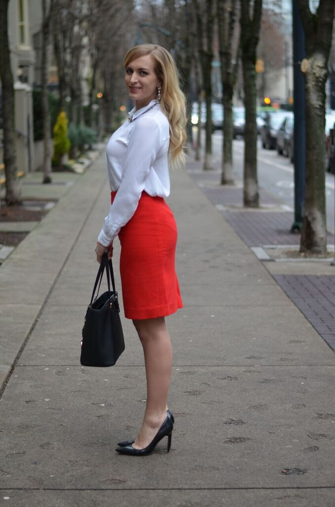 what-to-wear-with-a-red-pencil-skirt