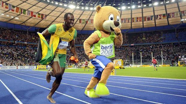 Pelari Bolt Cetak Rekor Dunia Dengan Penyakit Skoliosis 2019