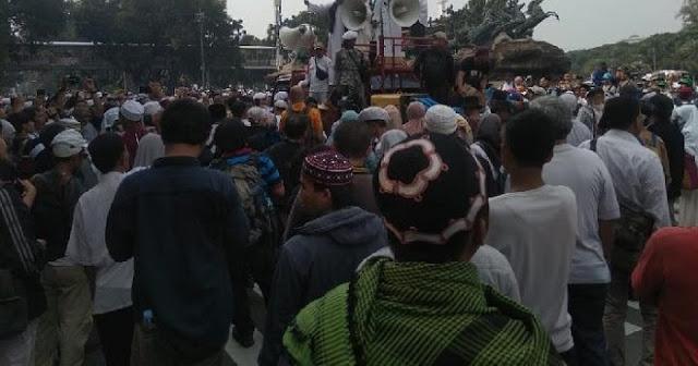 11 Ribu Orang Berangkat dari Jatim untuk Ikuti Aksi di Depan Gedung MK
