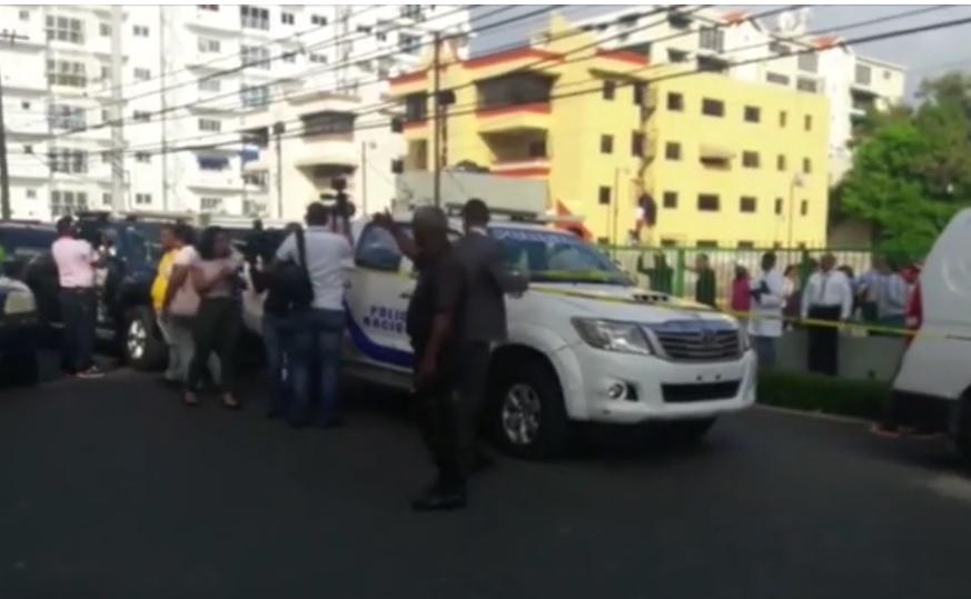 Asesinan mujer en confuso incidente en un ensanche de SD