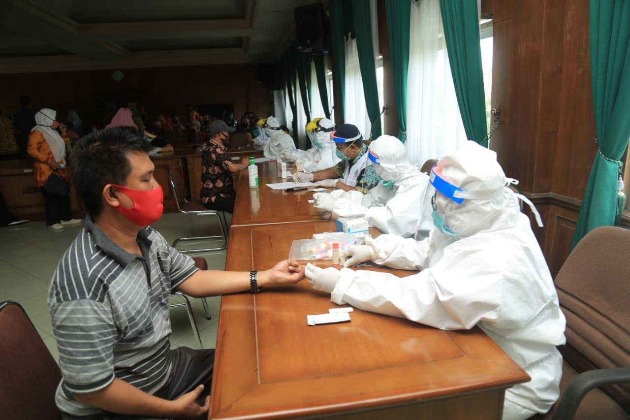 205 Guru Negatif Rapid Test, 1 Orang Positif Samar