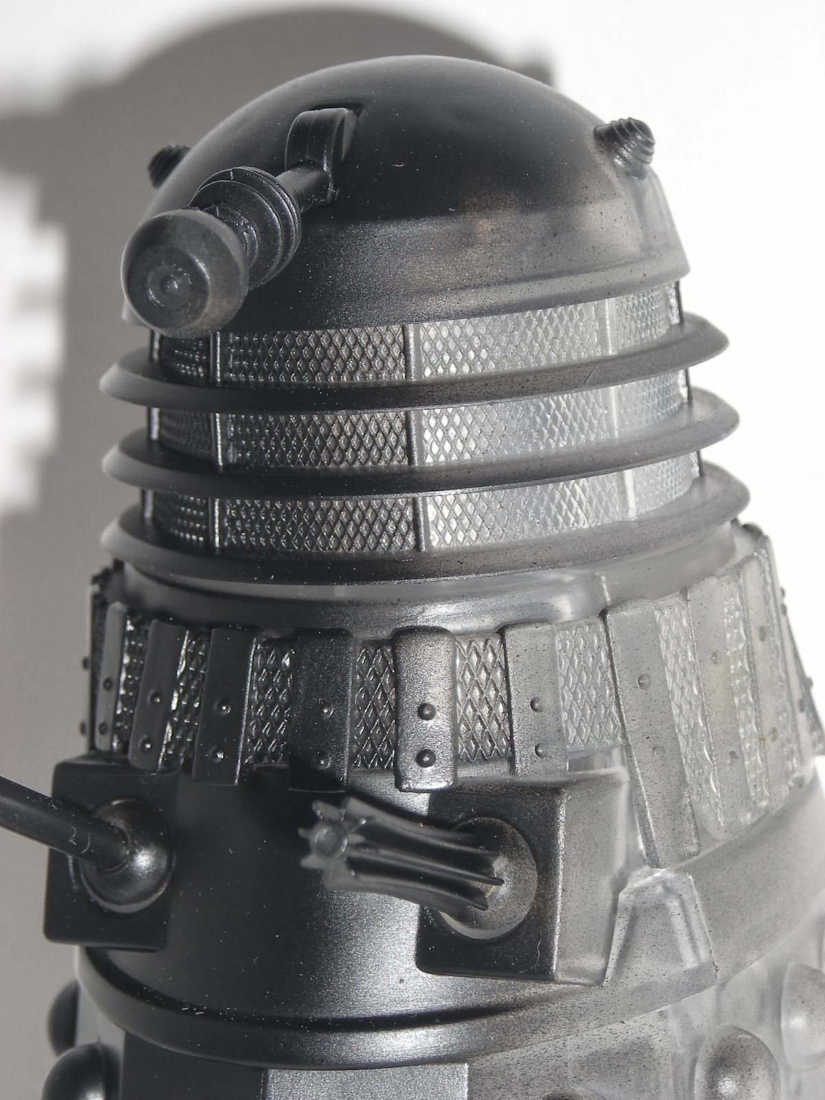 The Anti-Reflecting Light Wave Dalek
