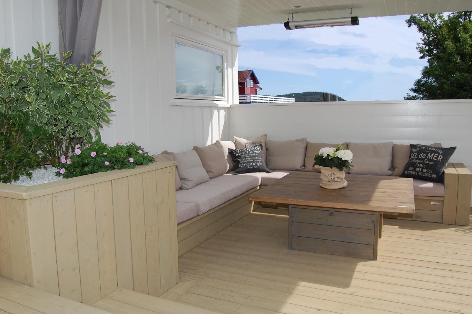 bygge terrassemøbler