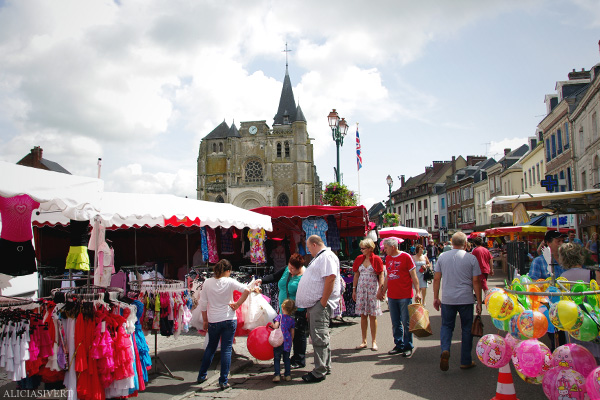 aliciasivert, alicia sivertsson, Le Nebourg, market day, church, cathedral, kyrka, katedral, marknad, marknadsdag