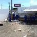 Carro desgovernado invade garagem da empresa de ônibus na zona norte
