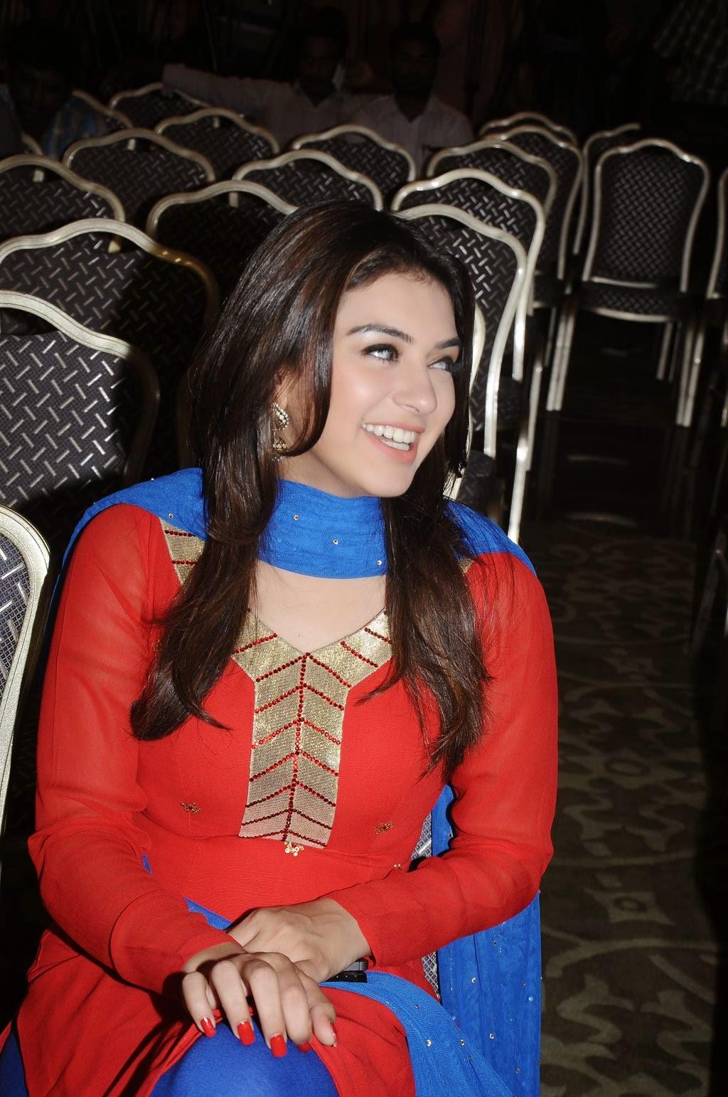 Actress Hansika Motwani In Red Churidar At Maan Karate