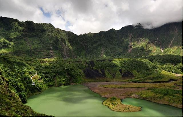 4. Kawah Gunung Galunggung - Tasikmalaya