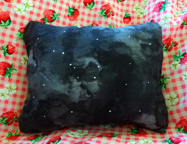 DIY No-Sew Space Pillow