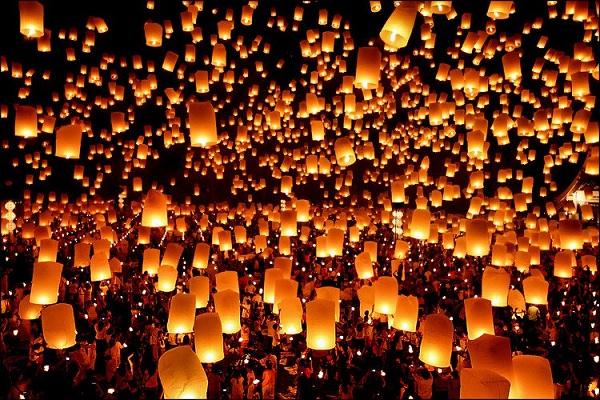 Lễ hội thả đèn lồng nổi tiếng ở xứ sở Chùa Vàng