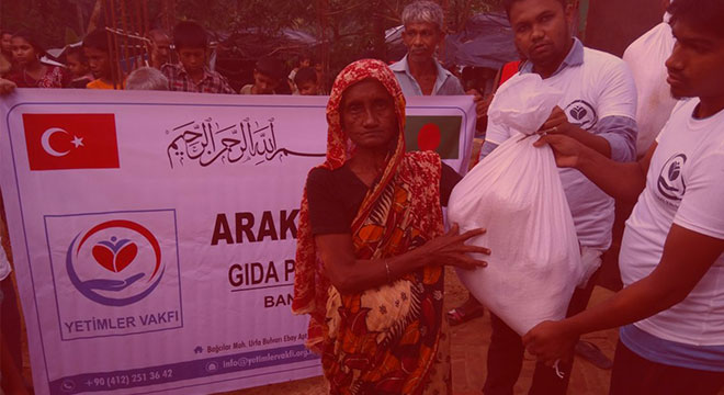 Food aid to Arakanese Muslims from Orphans Foundation