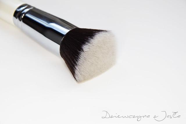 włosie syntetyczne, pędzel do podkładu, tanie i dobre pędzle do makijażu