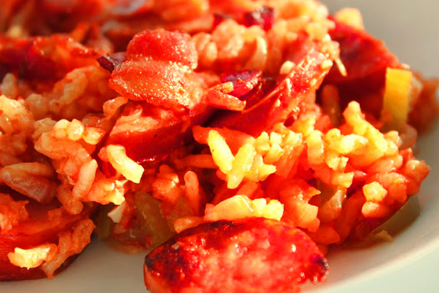 arroz con chorizo colorado