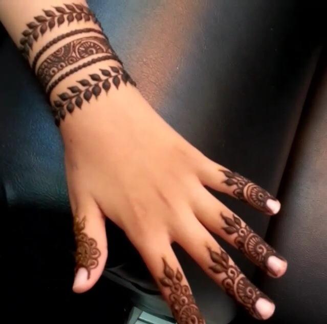 Simple Latest Stylish Mehndi Designs