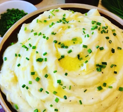 CREAMY GARLIC MASHED POTATOES RECIPE #vegetarian #thanksgiving