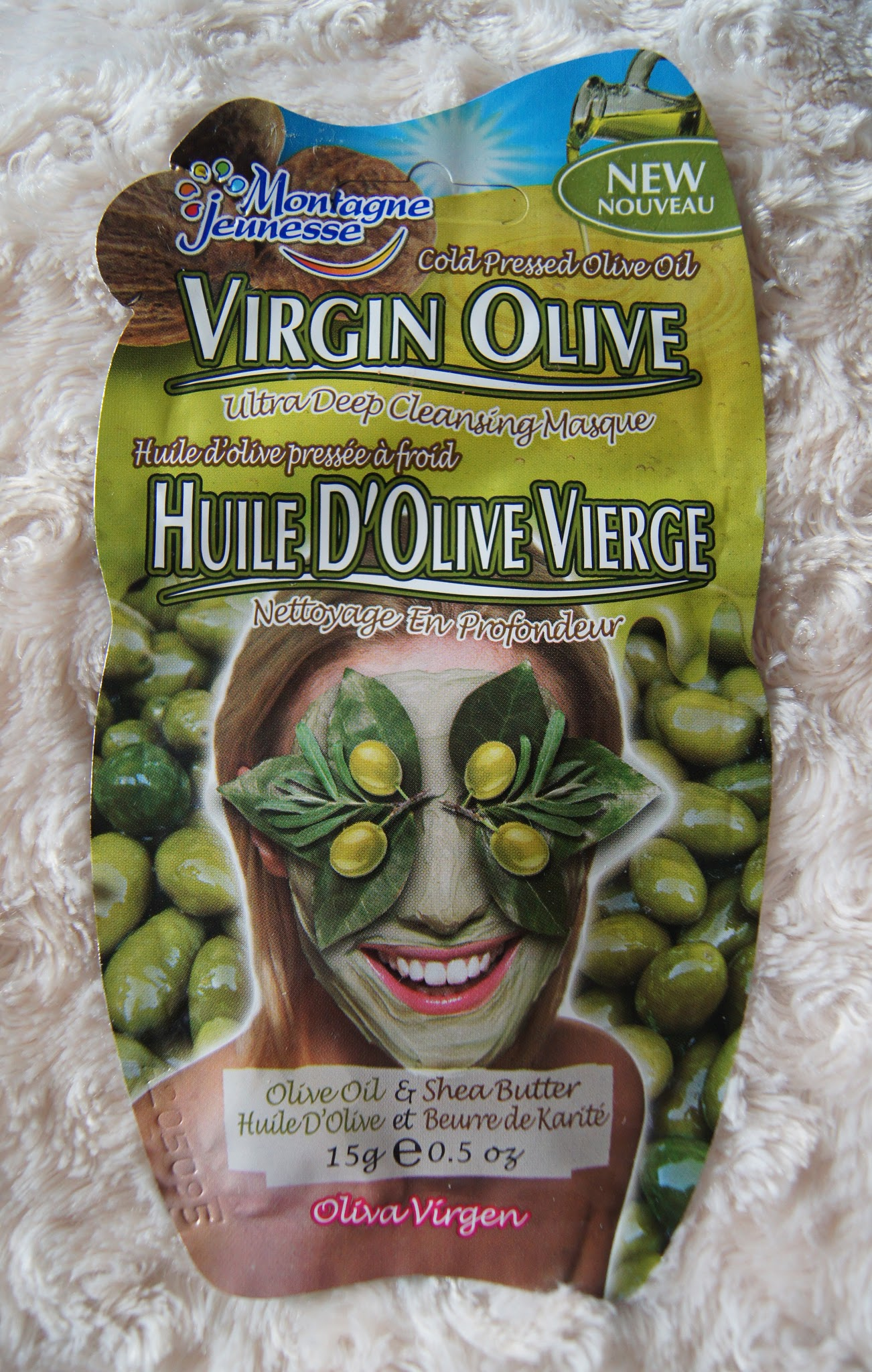 montagne jeunesse virgin olive face mask review