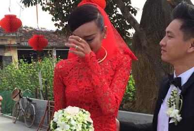 Vì sao cô dâu luôn khóc trong ngày cưới