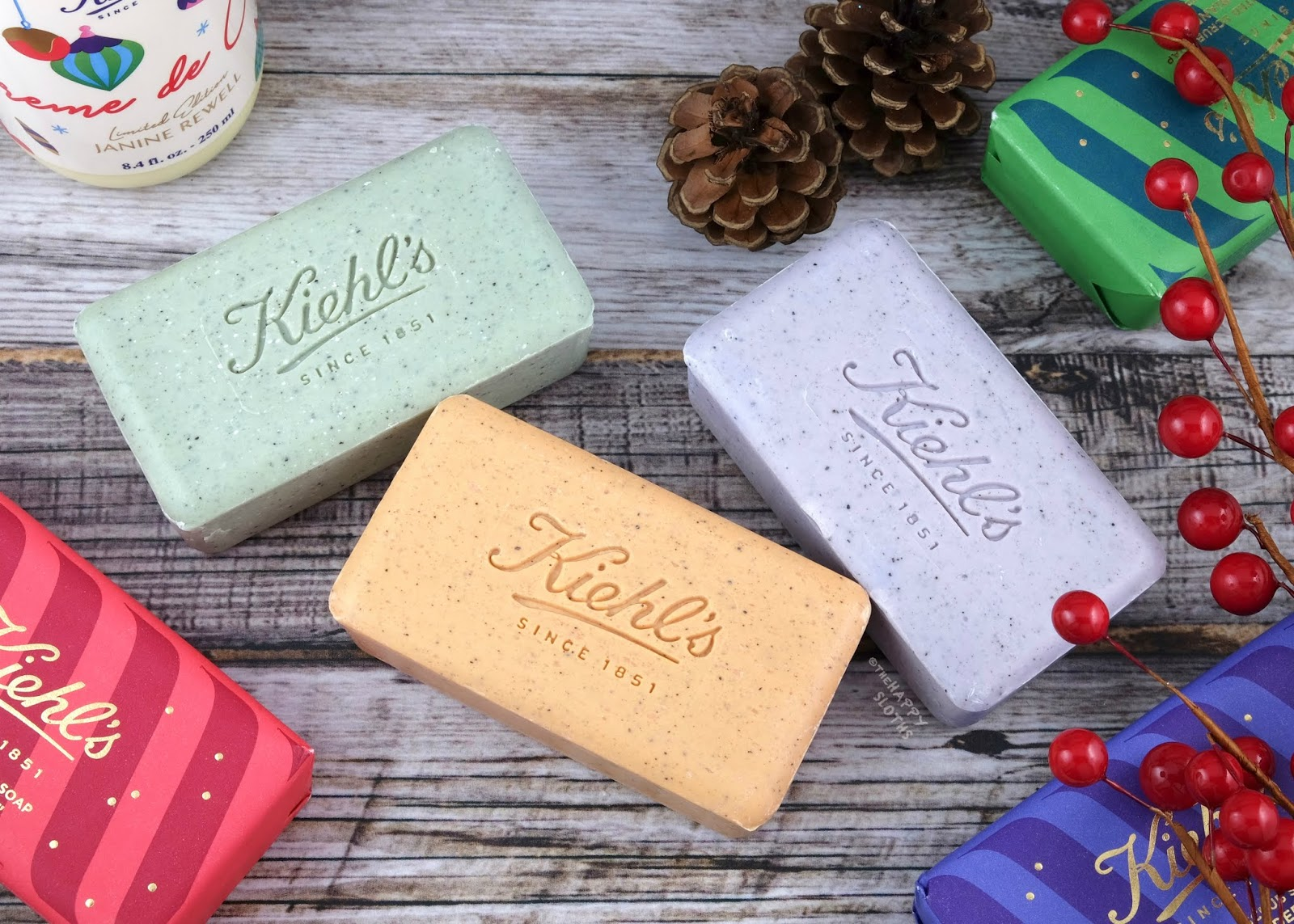 Kiehl's | Holiday 2019 Scented Scrub Soap: Gift Guide