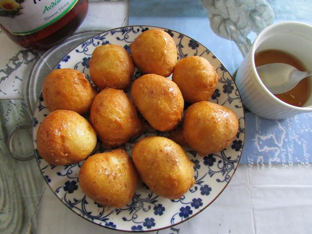 Loukoumades, czyli tradycyjne greckie pączki