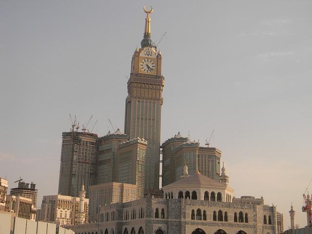 المسثمرون قلقون من فرض ضريبة القيمة المضافة على العقارات في السعودية