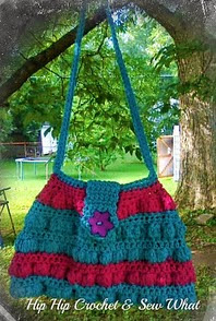 http://www.ravelry.com/patterns/library/bobble-stitch-shoulder-bag