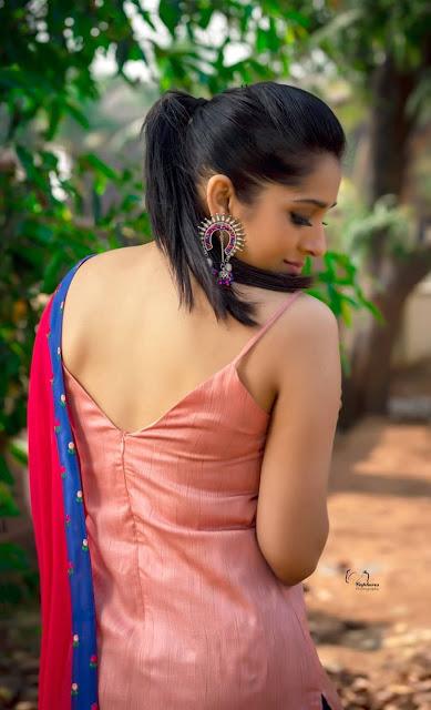 Hot Actress Rashmi Gautam Sexy Photos Navel Queens