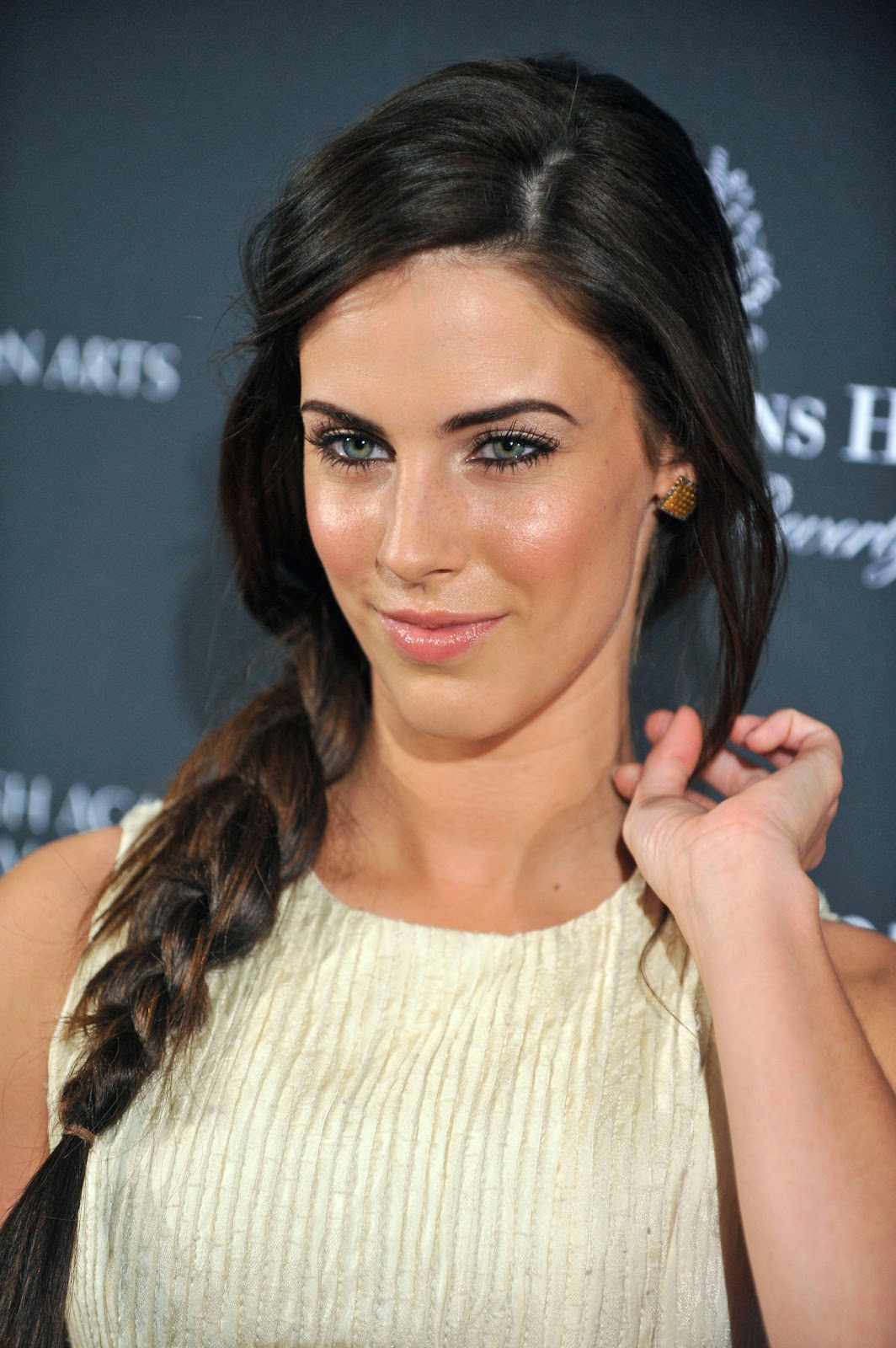 a new life hartz: jessica lowndes hairstyle