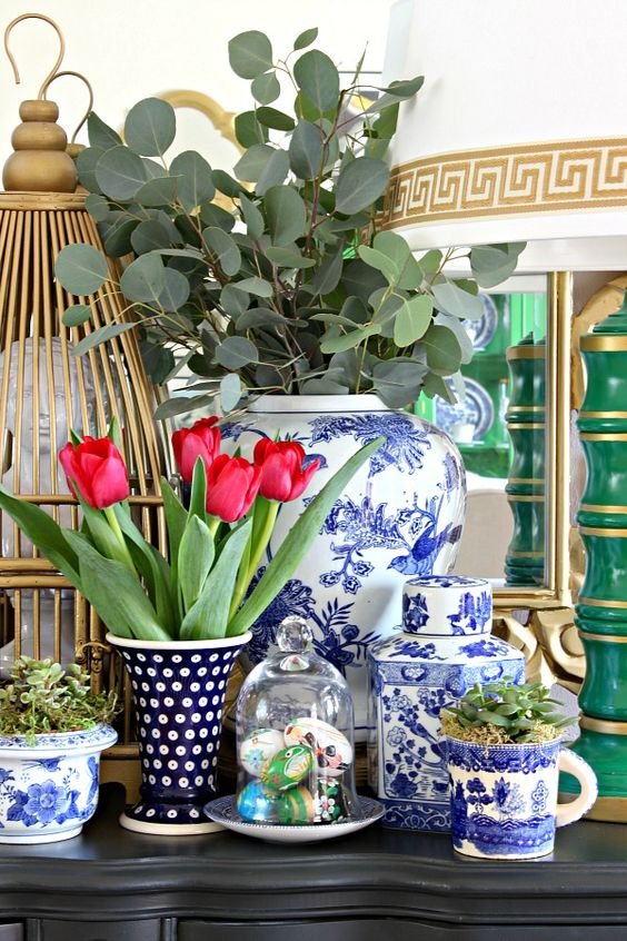 Blue white rooms and very affordable blue white for Discount home decor accessories