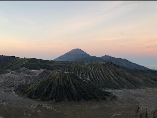 Berburu Sunrise di Gunung Bromo: Pengalaman Ikut Open Trip Dari Malang