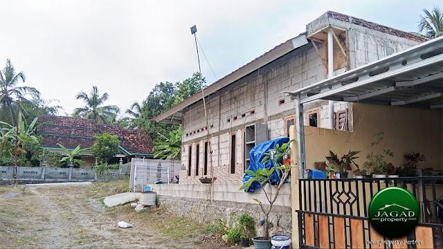 Rumah dekat Museum Coklat Monggo, Bangunjiwo