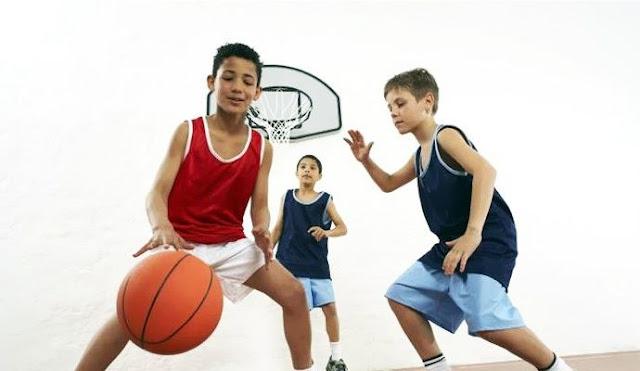 Cách mua giày bóng rổ cho trẻ em như thế nào?
