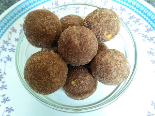 Beaten Red Rice Laddu
