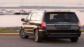 Dream Fantasy Cars-Chrysler Town & Country 2013
