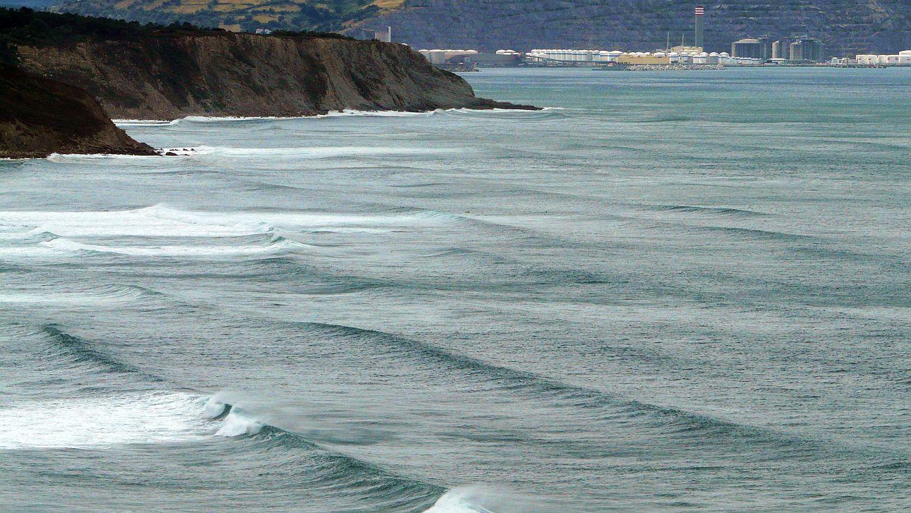 olas grandes en sopela triangu 03