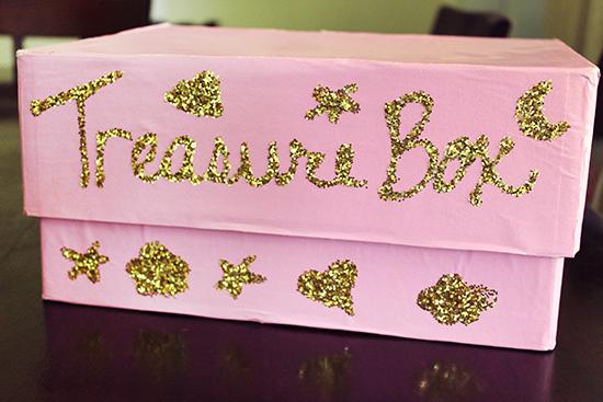 Reward Good Behavior: Make and Fill a Treasure Box {+ FREE Behavior Sheet and Reward Cards Printables!}