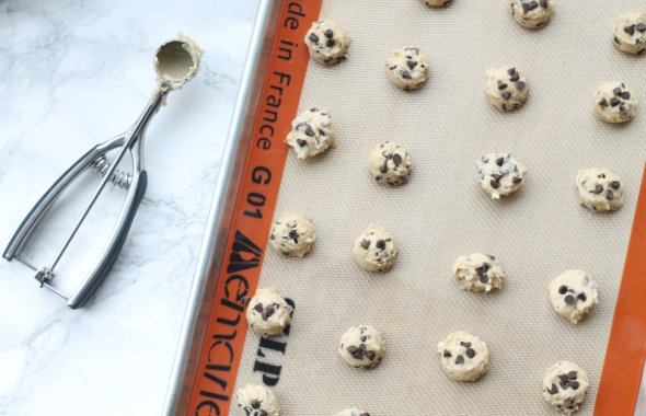 Mini Chocolate Chip Cookies - bite sized goodness!
