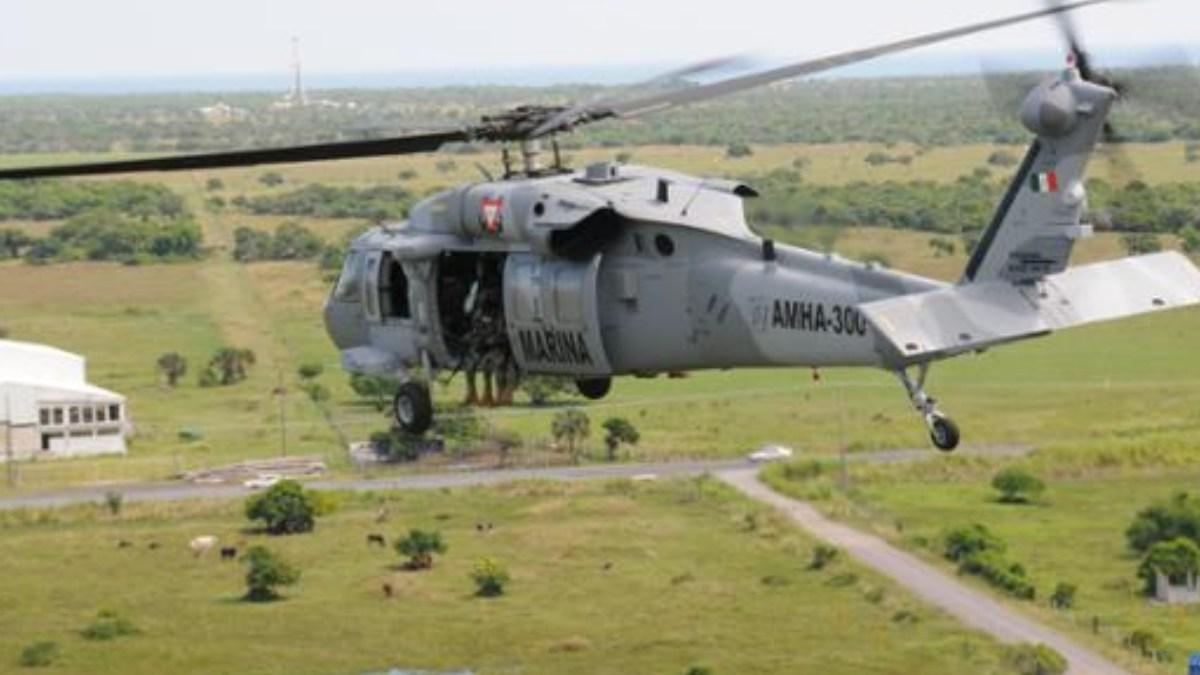 """¿Eres 'halcón'? ¡a ver, vuela!; Marinos, ponían a 'volar' a los """"halcones"""" del Narco desde un helicóptero"""