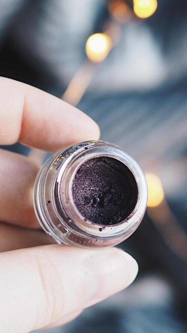 wonderland makeup wonderdust loose pigment blackstar