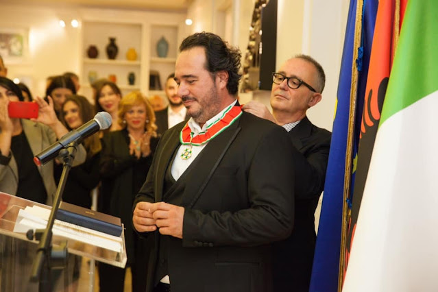 """Olen Çezari è onorato con il titolo di """"Comandante dell'Ordine della Stella d'Italia"""" da Mattarella"""