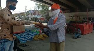 आदि शक्ति दुर्गा पीट एवं श्री राम भक्त हनुमान मंदिर समिति द्वारा निरंतर 38 दिनों से लाक डाउन में भोजन वितरित किया जा रहा