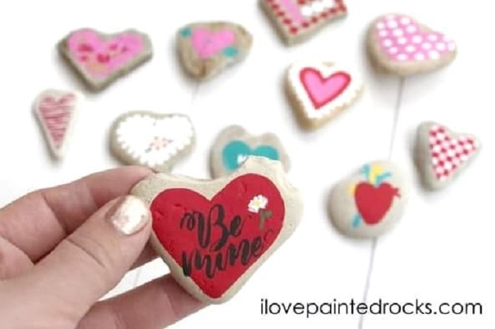 diy heart painted rocks for valentines day