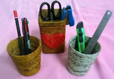 Membuat Kotak Pensil dari Kertas Bekas atau Koran Bekas