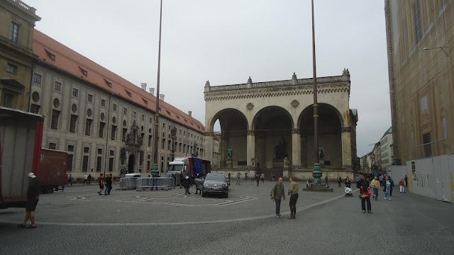 O que ver em Munique Alemanha Odeonsplatz Putsch da Cervejaria
