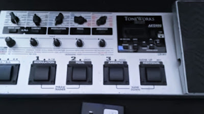 """Korg Toneworks AX1500G"" Digital Multi Effect Favorit Sejuta Umat ( Gitaris )"