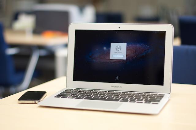 Ini Lho Cara CIA Meretas MacBook dan Iphone