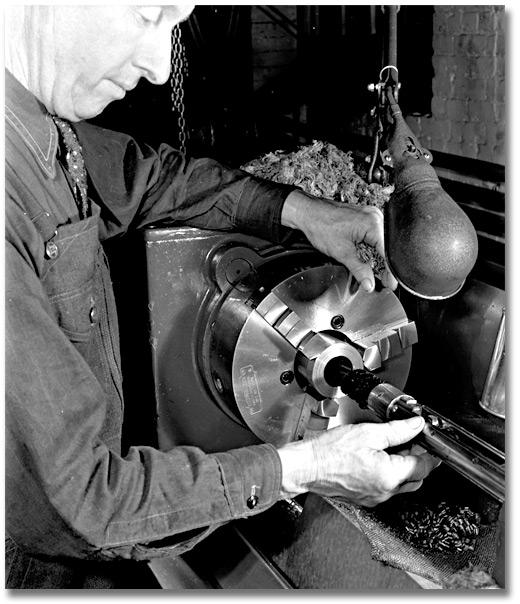 11 April 1941 worldwartwo.filminspector.com Bofors Gun