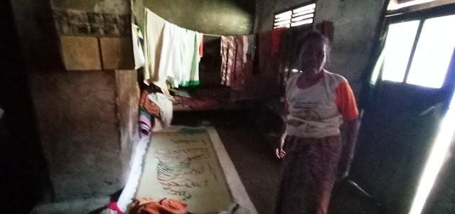 Sebatang Kara dan Tinggal di Rumah Reot, Nenek Rusmini Mengais Gabah untuk Menyambung Hidup