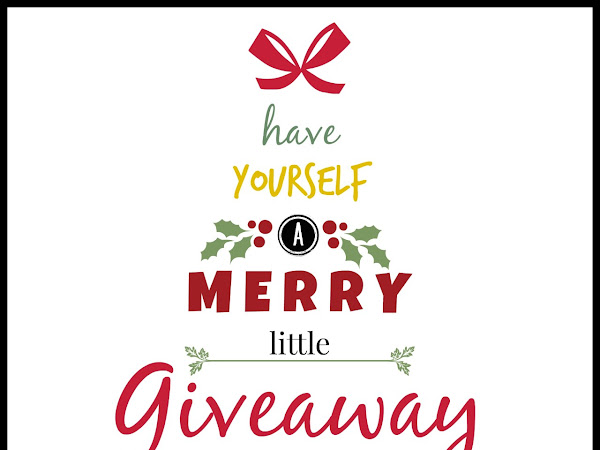 Have Yourself a Merry Little Giveaway with Paparazzi! {A Giveaway Hop Event}