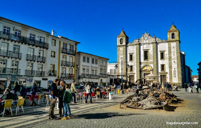 Largo do Giraldo, Évora, Portugal