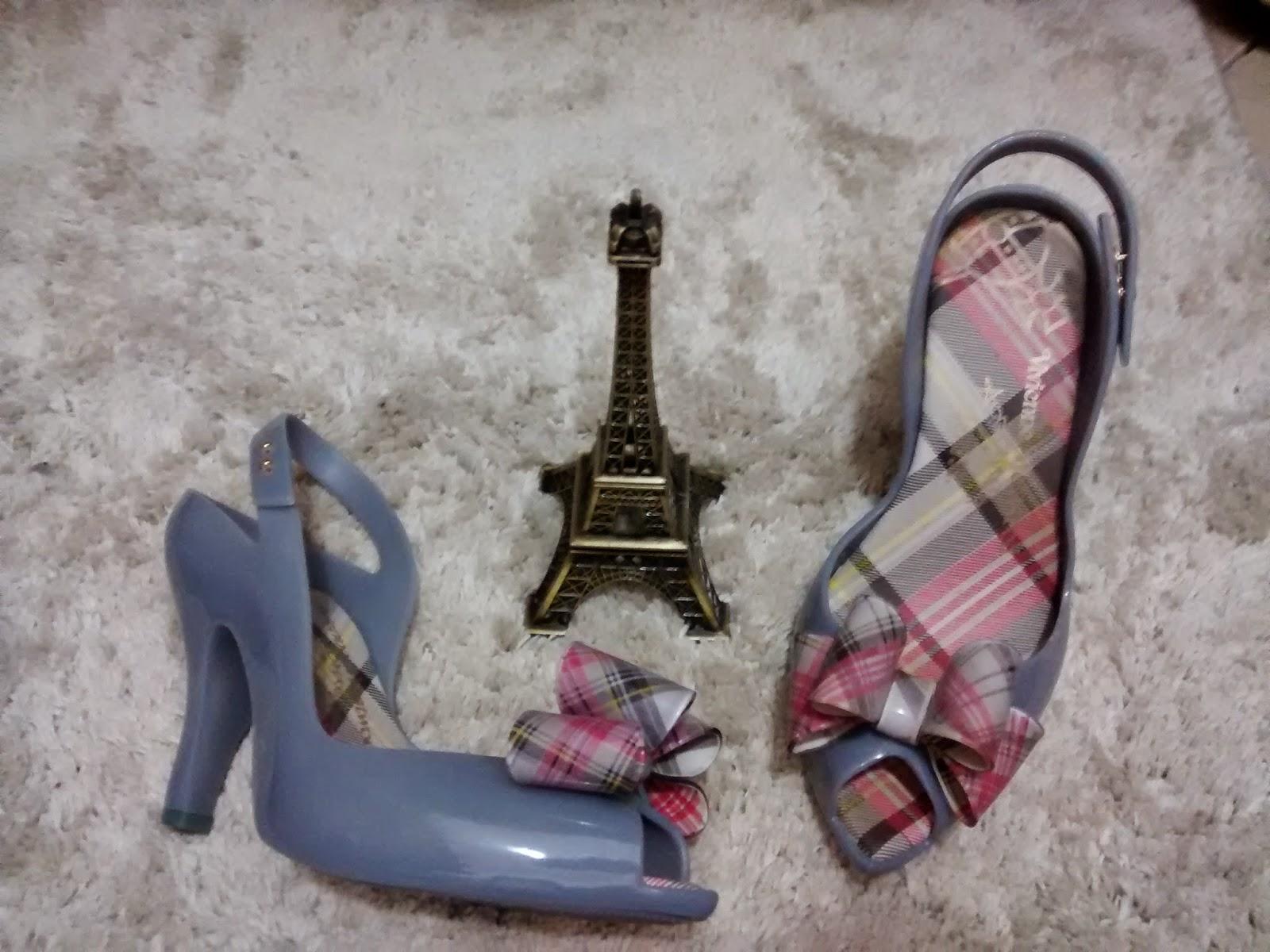 d4ee6cc2a0 PEEP TOE  As mulheres são realmente incríveis e sabem apreciar os detalhes  de cada tipo de calçado. Durante séculos